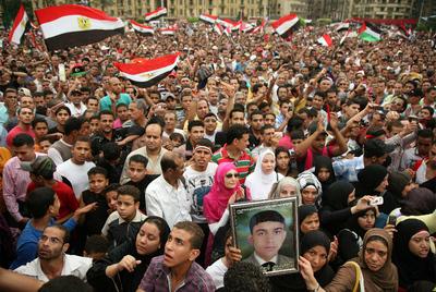 LA PROTESTA VUELVE A LA PLAZA DE TAHRIR