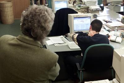 Reprender reiteradamente a un empleado en público será considerado acoso laboral.