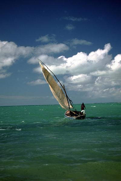 Embarcación tradicional en Mozambique.