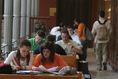 Estudiantes de la Escuela de Ingenieros de Minas de la Politécnica de Madrid, en 2008.