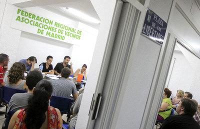 La primera reunión de puertas abiertas de la plataforma congregó a unas 50 personas.