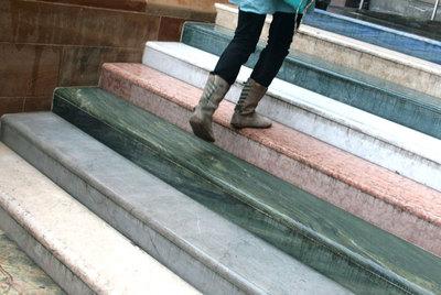 Para qu sirve una escalera edici n impresa el pa s for Marmol translucido de colores vivos