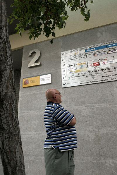 Edificio en el que están la sede de la Delegación de Empleo y la delegación de la empresa MFK en Jaén.