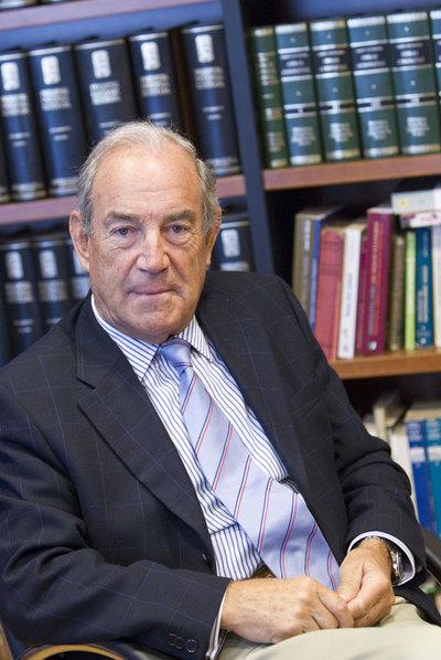 Carlos Garaikoetxea, en su despacho en Pamplona.