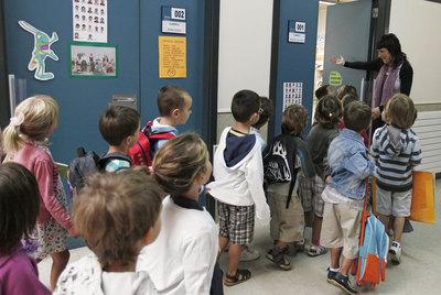Los alumnos españoles reciben un 20% más de clases al año que los finlandeses. En la imagen, un colegio de Pamplona (Navarra).