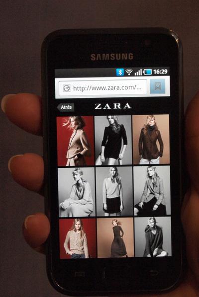 Versión para móvil de la tienda digital de Zara.