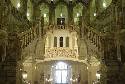 Escalinata del Cuartel General de la Armada, que este sábado puede ser visitada por el público.