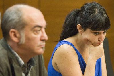 Larraitz Ugarte, durante su comparecencia de ayer, en compañía de Martin Garitano.