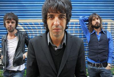 De izquierda a derecha, Jesús Senra, Marc Ros y Axel Pi, Sidonie, en Madrid.