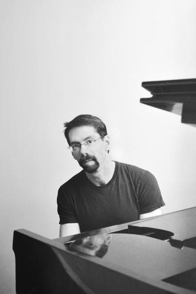 El pianista estadounidense de jazz Fred Hersch.