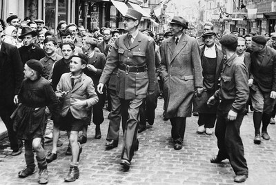 Charles de Gaulle (Lille, 1890-Colombey-les-Deux-Églises, 1970) fotografiado el 14 de junio de 1944 en Bayeux.