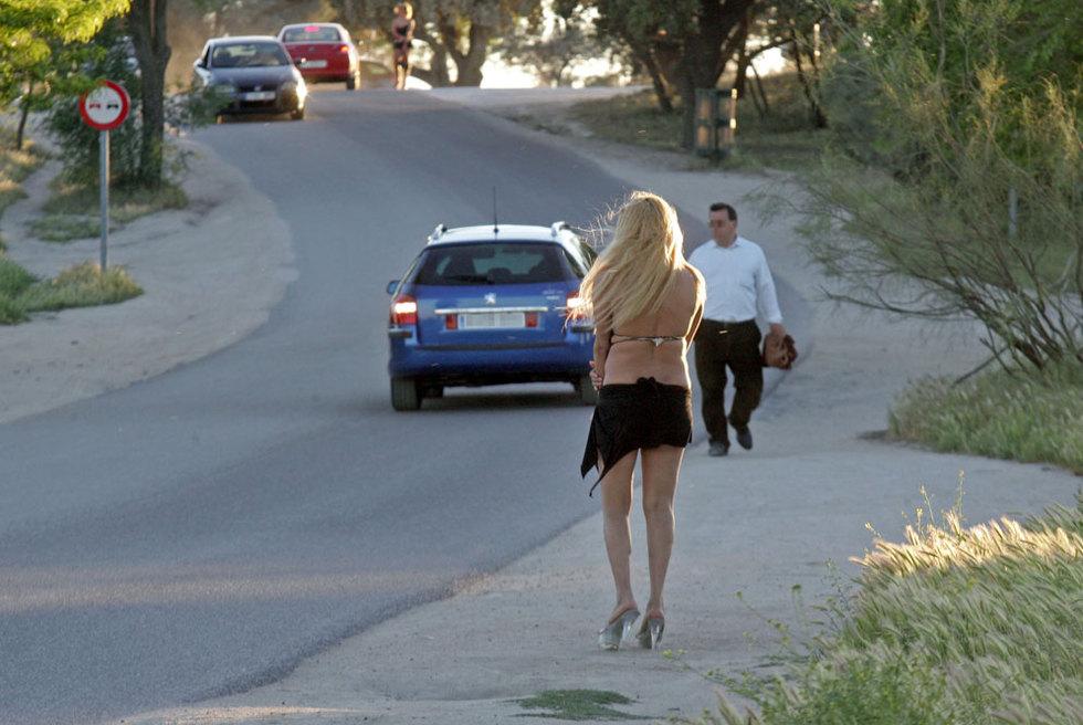sinonimo de prostituta prostitutas en la casa de campo