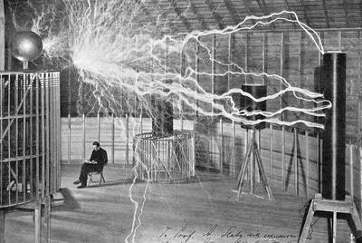 Ilustración de Nikola Tesla (Smiljan, actual Croacia, 1856-Nueva York, 1943) en su laboratorio de Colorado Springs.