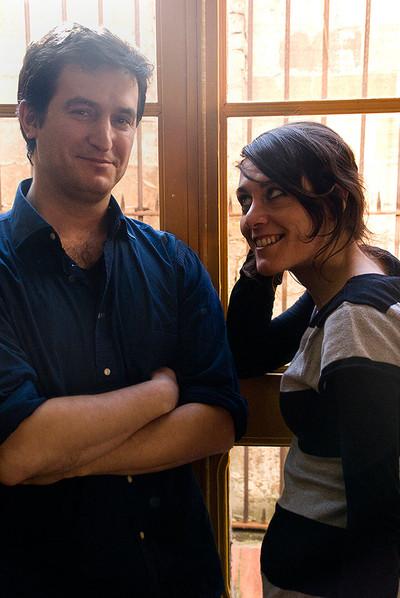 Xavi Sàez y Anna Alarcón, intérpretes de  Sé de un lugar,  de Iván Morales.