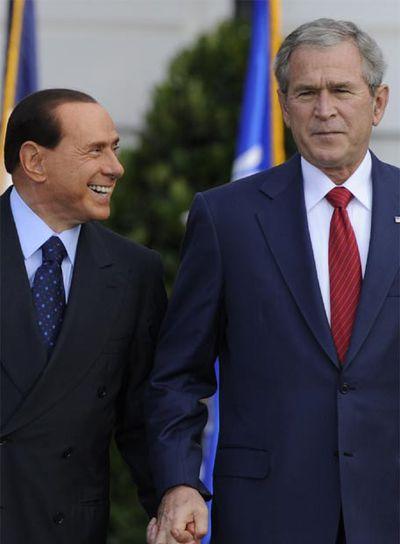 George W. Bush y Silvio Berlusconi, hoy durante la rueda de prensa conjunta que han ofrecido tras su reunión