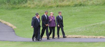 Silvio Berlusconi, José Manuel Durão Barroso (detrás), Barack Obama, Angela Merkel y Nicolas Sarkozy en Huntsville, al norte de Toronto.