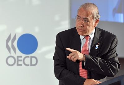 El secretario general de la OCDE, Angel Gurría, durante la presentación del informe semestral de la organización.