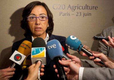 La ministra de Medio Ambiente, Rural y Marino, Rosa Aguilar, ha cifrado hoy las pérdidas en el sector hortofrutícola español por la llamada 'crisis del pepino' en 51 millones de euros.