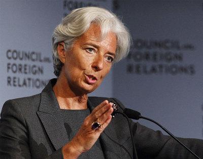 El FMI pide un recorte de la nómina de los funcionarios y subir el IVA