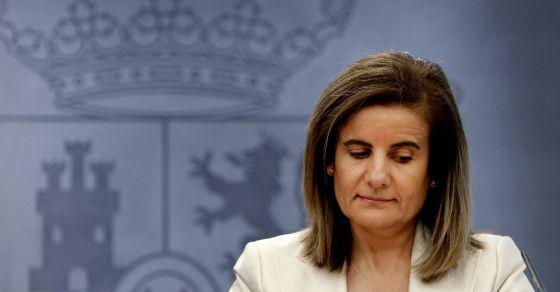 La ministra de Empleo y Seguridad Social, Fátima Báñez durante la rueda de prensa  en la que ha explicado la reforma laboral
