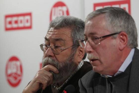 Méndez, izquierda, y Toxo durante la rueda de prensa donde han convocado movilizaciones contra la neuva ley
