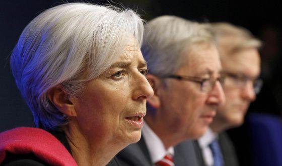 La directora gerente del FMI, Christine Lagarde, el presidente del Eurogrupo, Jean-Claude Juncker y el comisario de Asuntos Económicos, Olli Rehn.