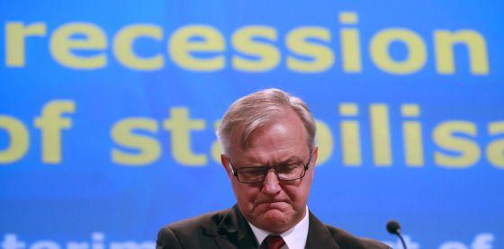 El comisario europeo de Asuntos Económicos y Monetarios, Olli Rehn, en la rueda de prensa en la que ha comentado sus nuevas previsiones.