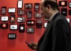 La CMT se rebela contra la rebaja del móvil que pide Bruselas