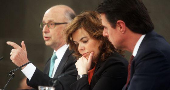 Rueda de prensa posterior al Consejo de Ministros donde se aprobaron los Presupuestos de 2012.