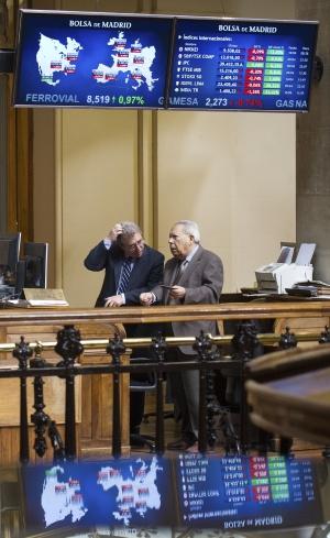 Dos operadores en la Bolsa de Madrid.