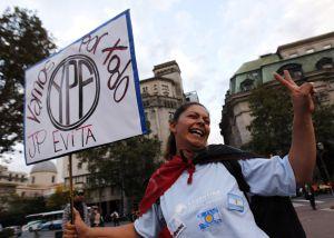 Manifestación a favor de la expropiación de YPF.