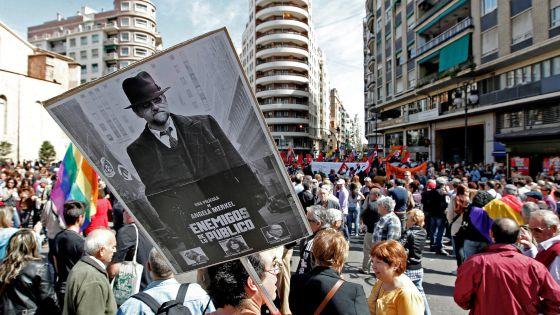 Manifestación en Valencia el domingo contra los recortes sociales.rn rn rn