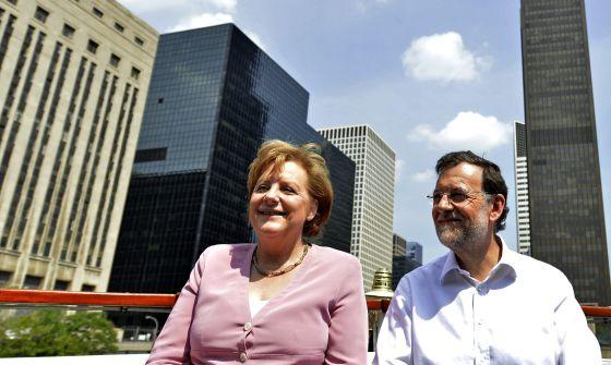 Merkel y Rajoy, durante su paseo en barco en Chicago.