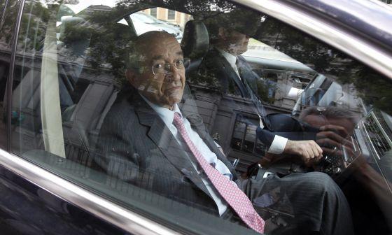 MAFO saliendo del BdE ya como ex-gobernador