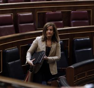 La ministra de Empleo, Fátima Bañez, en el Congreso.