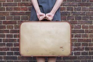 El número de españoles que salen fuera a buscar un trabajo ha aumentado