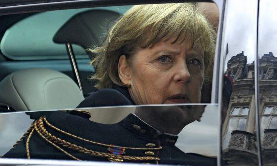 La canciller alemana, Angela Merkel, antes de reunirse con su homólogo francés, Francois Hollande.
