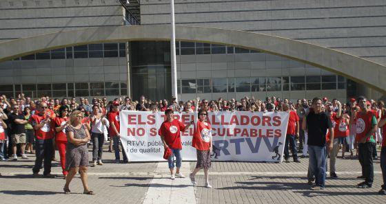 Protesta de los trabajadores de Canal 9 por el ERE en RTVV.