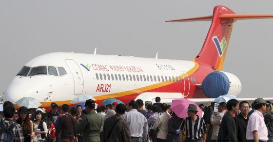 Un prototipo de ARJ21 en la exhibición de Zhuhai, en 2010.