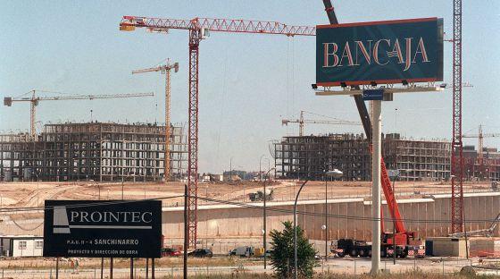 Un cartel de Bancaja en el barrio madrileño de Sanchinarro.