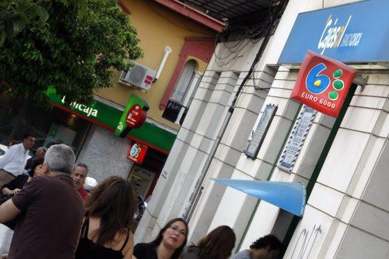 Unicaja negocia con la troika si mantiene la fusi n con for Oficinas de unicaja en madrid