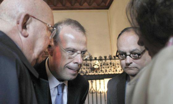 José Luis Pego (centro) y Javier García Paredes (derecha), en 2010.