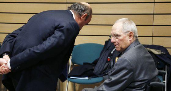 Guindos, junto a su homólogo alemán, Wolfgang Schäuble.