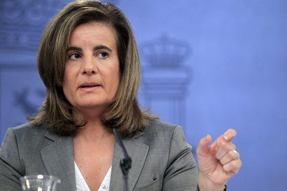 La Ministra de Empleo, Fátima Báñez, durante la rueda de prensa posterior al Consejo de Ministros.