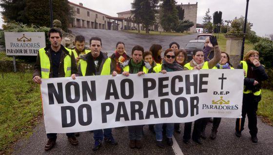 Trabajadores del Parador de Verín protestan contra el posible cierre