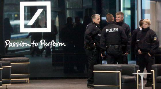 La justicia alemana investiga a uno de los consejeros for Oficinas de deutsche bank