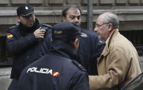 El ex presidente de Bankia y ex director gerente del Fondo Monetario Internacional (FMI), Rodrigo Rato, a su llegada esta tarde a la Audiencia Nacional