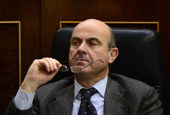 El ministro de Economía, Luis de Guindos, el pasado 20 de diciembre en una sesión parlamentaria.