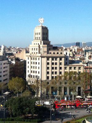 Hoteles comercios y oficinas cambian de manos obligadas o for Bbva oficines barcelona
