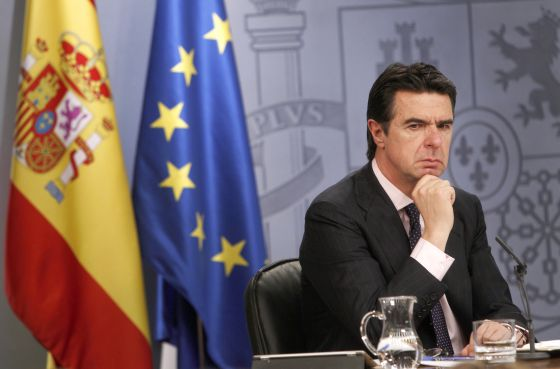 El ministro de Industria, José Manuel Soria, durante la rueda de prensa.